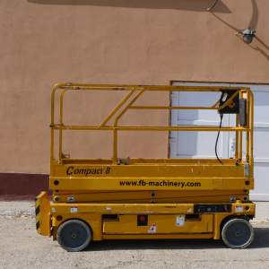 Haulotte Compact 8 Second hand Electric Scissor Lift